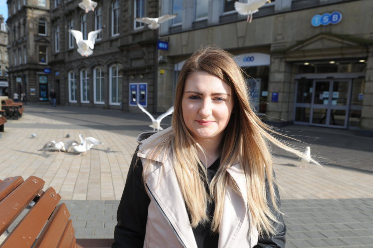 KCes_Laura_Gibson_Gull_Attack_Dundee_130417_06