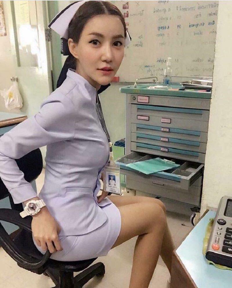 Nurse selfie main