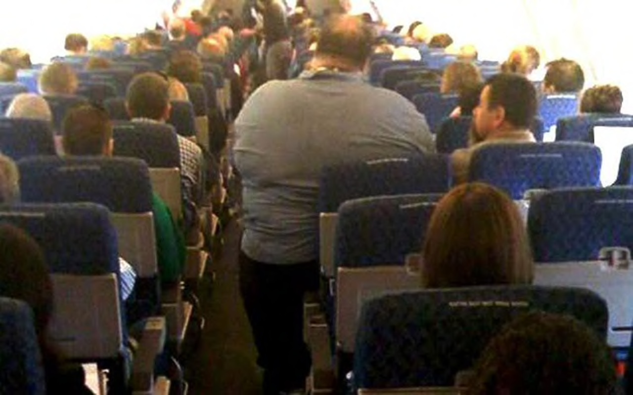 Man Who Sat Next To Two Fat People On A Plane Is Suing For