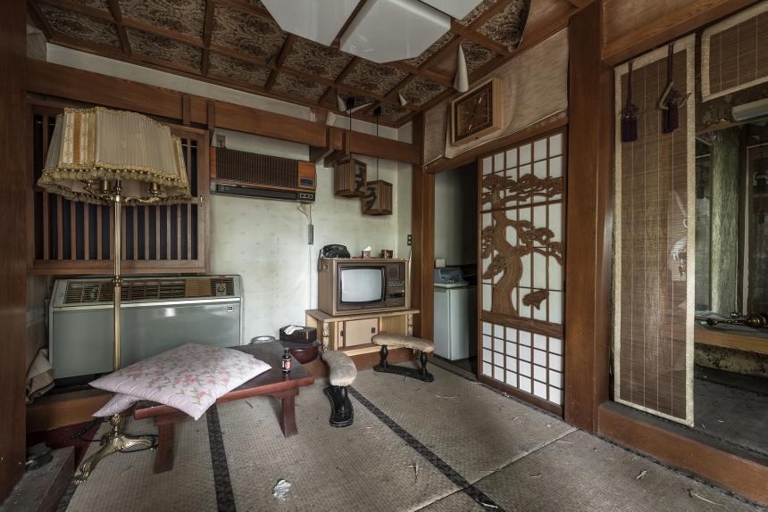 Japan abandoned love hotel 2