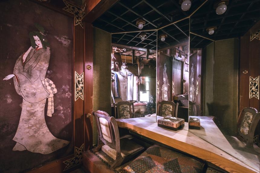 Japan abandoned love hotel 3