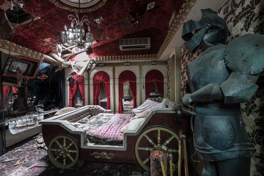 Japan abandoned love hotel 7
