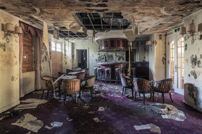 Japan abandoned love hotel 9
