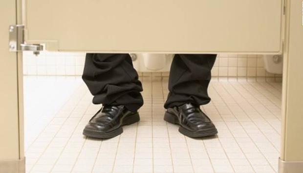 Legs toilet