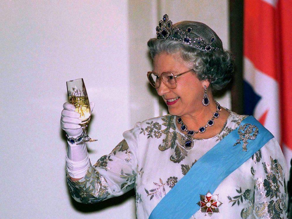 The queen drink 1
