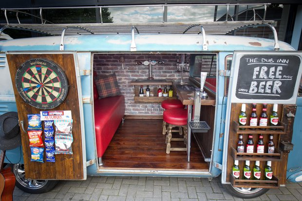 man turns his vw campervan into a fully functional pub sick chirpse. Black Bedroom Furniture Sets. Home Design Ideas
