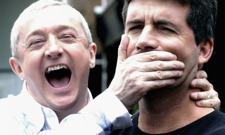 gallery_louis-walsh-simon-cowell-hand