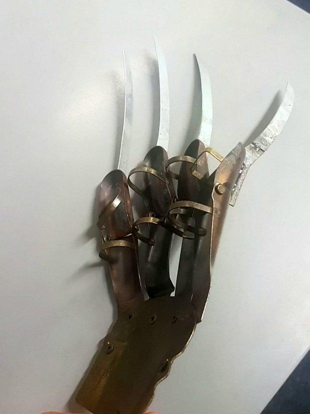 Krueger Glove 2