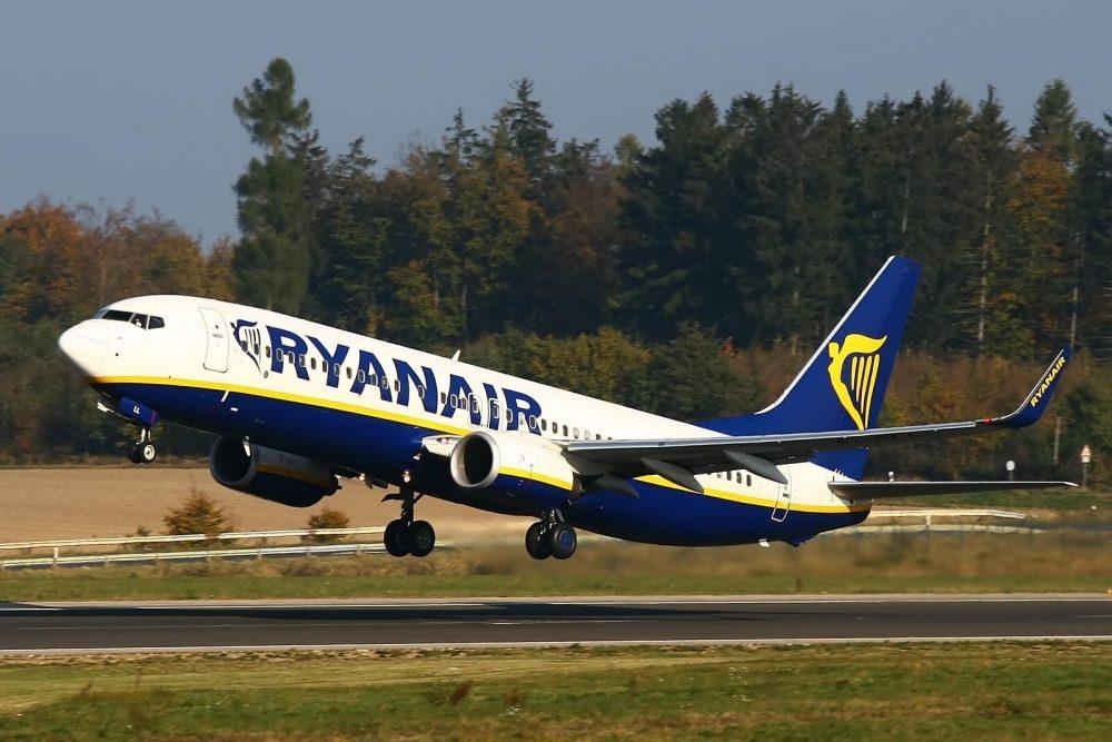 ryanair-aircraft-4