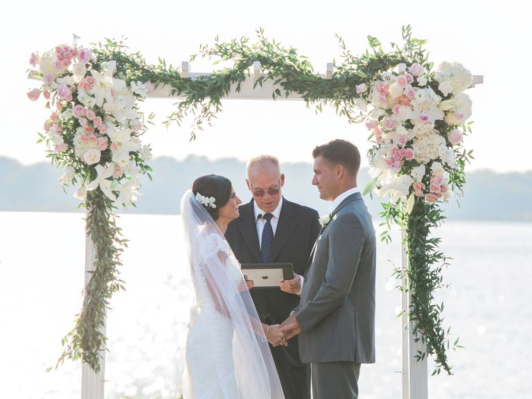 Wedding Ceremony Atheist Wedding Ceremony: This Wife Read Out Her Husband's Affair Texts At Their