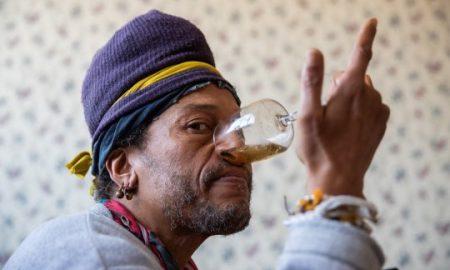 Sniffing urine