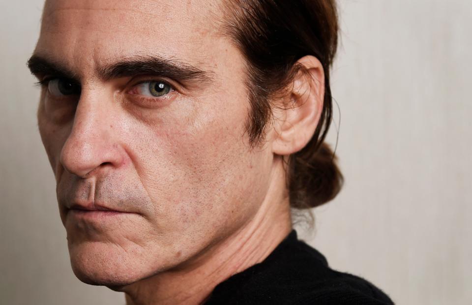Joaquin Phoenix's Upbringing W...